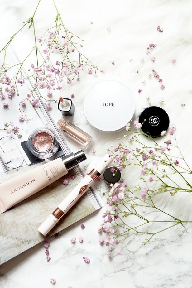 makeup-ideas-2017-2018-beauty-lifestyle-photography-flatlay-tips-barely-there-beauty